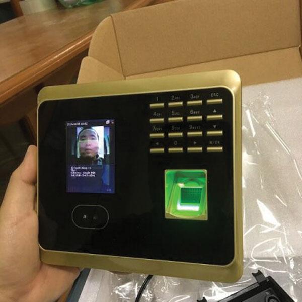 Hình ảnh thực tế máy chấm công wifi