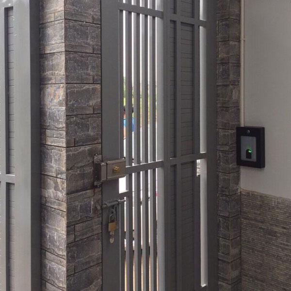 Ưu điểm chính của hệ thống kiểm soát cửa ra vào nhà trọ bao gồm