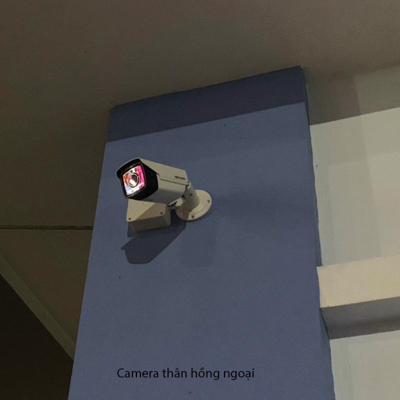 camera thân hồng ngoại